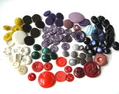 120 Buttons Vintage Plastic Buttons Colorful with other material buttons