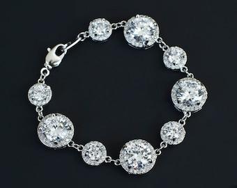 Bridal Bracelet,Cubic Zirconia Bridal Bracelet, Luxurious Bridal Wedding Jewelry, White Cubic Zirconia Bridal Bridesmaids Bracelet