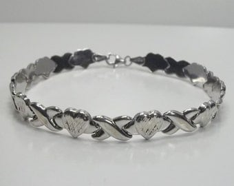 Estate 10K White Gold Heart Link Hugs and Kisses Panel Bracelet 8 Inches Long