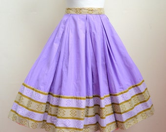 1950s Lilac cotton pleated full skirt with border print / 50s printed cotton skirt - XS S