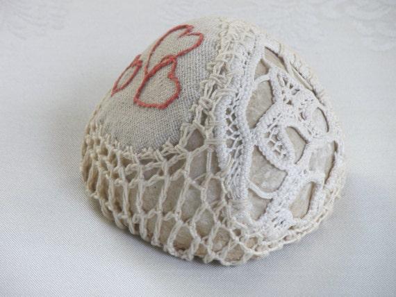 Natural Wedding Favors, Wedding Decor, Rustic Beach Decor, Heart Embroidery,Romantic Decor, Shabby chic Wedding, Crochet Lace Stone