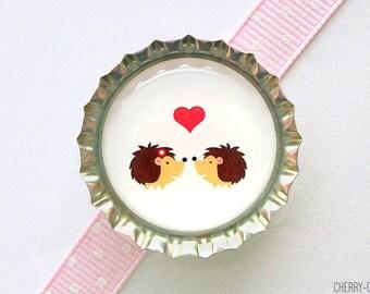 Hedgehog Love Bottle Cap Magnet - valentines gift, valentines day gift, couple gift, woodland animal baby shower favor, hedgehog baby shower