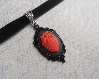 Gothic Lolita red heart cameo choker necklace black velvet