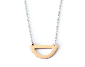 Closed Curve Necklace - Bronze