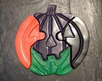 Halloween jack-o'-lantern crayon puzzle