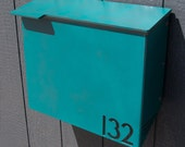 Custom House Number Mailbox No. 1711 Wrap-Front in Powder Coated Aluminum Streamline Edition