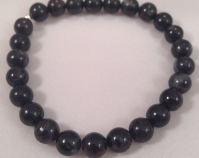 Arfvedsonite 8mm Round Bead Stretch Bracelet with Sterling Silver Accent