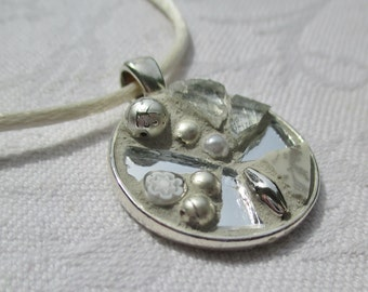 Silver coloured Mosaic Pendant/Medaillon
