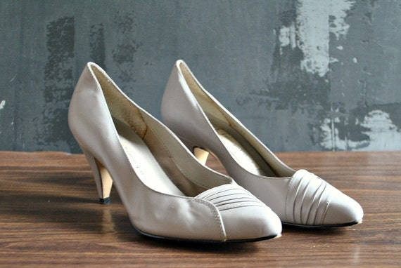 80s Taupe/Grey Carriage Court Pumps - 7.5, Leather