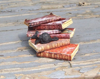 Miniature BOOK STACK with MOUSE Dollhouse Miniature Spooky Halloween Witch Potter Wizard