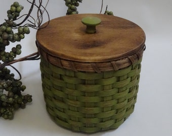 Toilet Paper Basket-Painted Basket-Storage Basket-Basket with a Lid-Canister Basket-Primitive Style