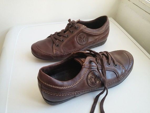 vintage womens brown leather lace up walking shoes by