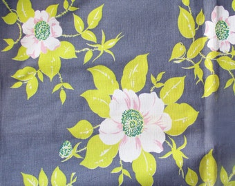 1940s-50s MINT Linen Table Cloth 54 x 49 inches square