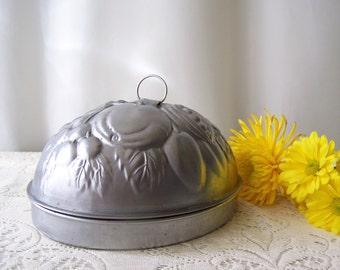 Vintage Plumb Pudding Mould Aluminum Dessert Mold Kreamer Salad Mould Kitchen Wall Hanging Shabby Cottage Decor 1960s