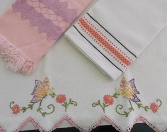 Vintage Towels 3 Piece Assortment in Pinks, Guest Towels, Fingertip Towels