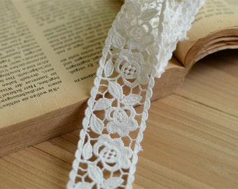 Cream White Cotton Lace Floral Rose Embroidered Lace 1.37 Inches Wide 2 yards