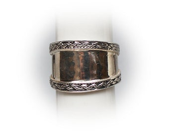 Sterling Silver Ladies Fashion Ring