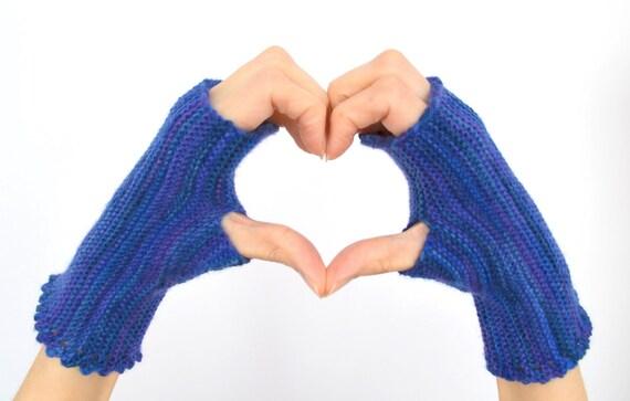 Easy Fingerless Gloves Knitting Pattern Straight Needles : Pattern: Fingerless Gloves on Straight Needles from LaceKnit on Etsy Studio