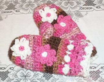Crochet Chocolate Cupcake Mittens