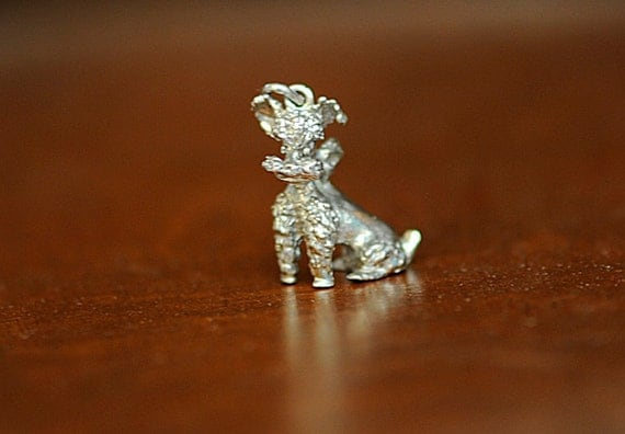 Vintage Sterling Silver Sitting POODLE WITH BOW Dog Charm / Pendant
