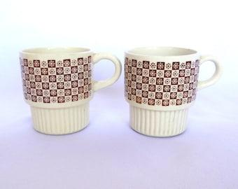 VINTAGE STACKING MUGS / usa mugs/ pair