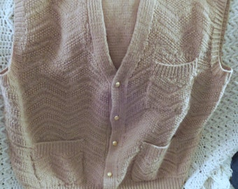 Tan Hand Knitted Chevron Design Men's Vest With 3 Pockets On The Front, Size Large, Vintage
