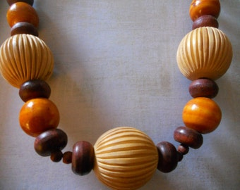 Large Wood Bead Necklace - Casual Large Beaded Necklace for Summer Parties