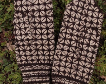 Finely Hand Knitted Estonian Mittens in Brown and White - warm and windproof