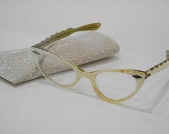 Rim horn glasses