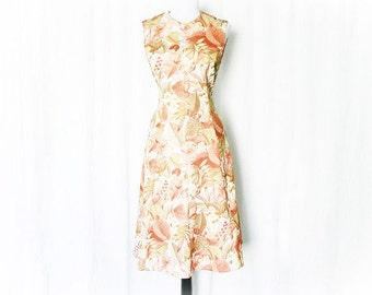 Vintage 60s Mod Sleeveless Shift Dress M Peach Tan Leaf Floral Print Knee Length