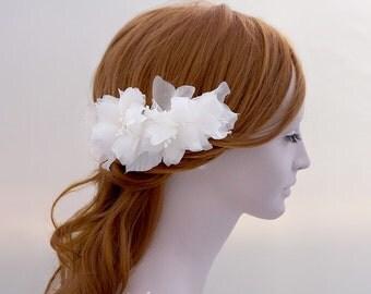 Flower Bridal Hair Comb, Floral Bridal Comb, Pure Silk Flower Bridal Comb, Bridal Hair Accessory with flowers, Bridal Hair Flower Comb