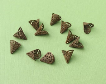 4 Vintage Copper Cones - 15x16mm - Beautiful Filigree Cones