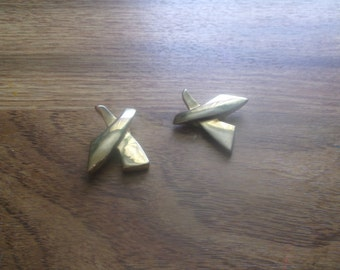 vintage clip on earrings goldtone x