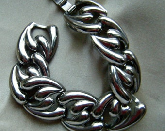Bold Silver Tone Link Bracelet 6.75 Inches