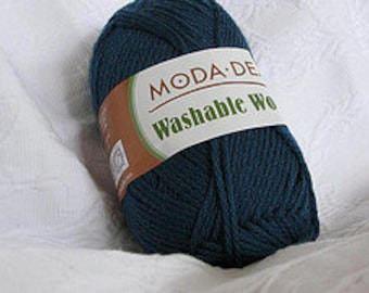 10 skeins of navy worsted weight washable wool yarn