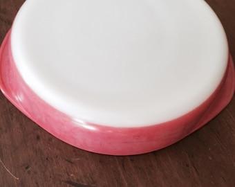 Pyrex flamingo pink round cake pan
