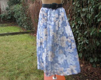 Pretty Pleated Skirt Vintage / Elastic Waist / with Lining / Size EUR42 / 44 / UK14 / 16