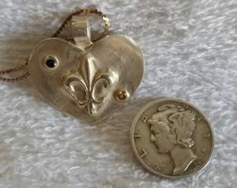 Fleur-de-lis heart with 2 sapphires  pendant in fine silver 999%.