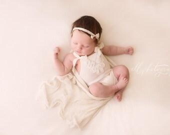 Newborn Photography Prop-Newborn Cream Short Romper with White Lace-Baby Girl Photo Prop-Newborn Romper-Newborn Girl Outfit-Newborn Bibs