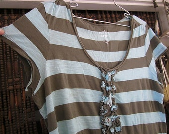 OLD NAVY - Striped Top in Sky Blue & Brown with Frilled and Buttons Front and Cropped Sleeves, Vintage - Large