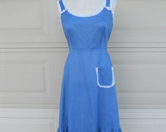 SALE Vintage 70s Country Lace Ruffled Sun Dress w/Tie Back S-M
