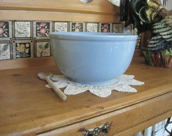 Beautiful Lu-Ray Pastel Large Mixing Bowl - Mid Century Awesome Windsor Blue by T S & T