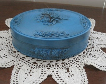 Ornate Victorian Style Oval Lidded Trinket Holder Antiqued Distress Turquoise