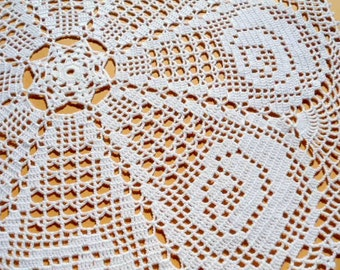 White crochet doily, lace tablecloth, crochet doily - tablecloth with roses, crochet centerpiece, round doily, 23 ""