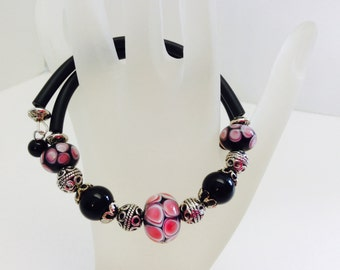 Memory Wire Bracelet, Rubber Cord Bracelet, Wrap Bracelet, Lampwork Beads, Memory Wire Bangle, Glass Bracelet, Lampwork Jewelry