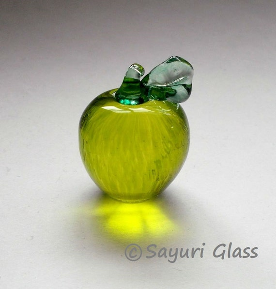 Green Apple Ornament 1  :DISASTER RELIEF