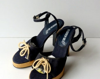 90s Denim Ankle Strap Sandals Heels / Platform Sandals Boho Nautical Navy Blue 70s style Disco Wood look Heels / Sz 7.5 Euro 38 UK 5.5