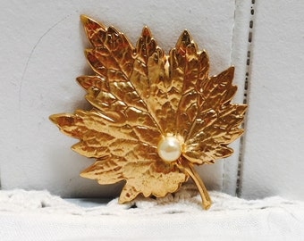 Vintage 1970s Maple Leaf Napier Brooch