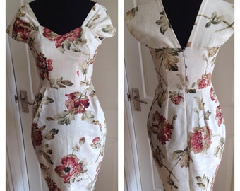 SALE Stunning one of a kind, 1950s inspired wiggle dress, capped sleeves  sweetheart neckline, Autumnal print, Rockabilly / Retro style