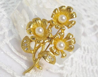 Floral Brooch Gold Tone Faux Pearl